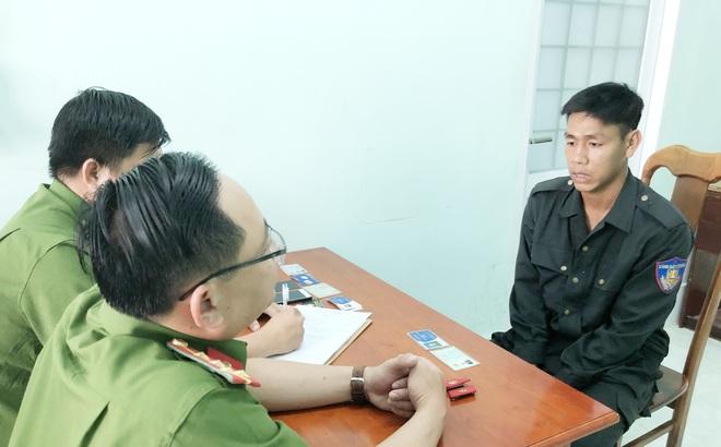 Nam bảo vệ mặc quân phục công an để lấy le với bạn trên mạng