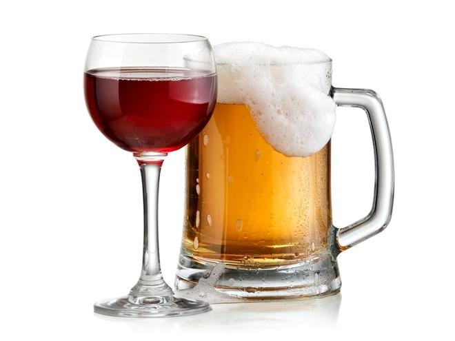Sự khác biệt giữa rượu và bia sau khi uống dài ngày: Nên uống loại nào đỡ hại hơn, cách uống ra sao? - Ảnh 1.
