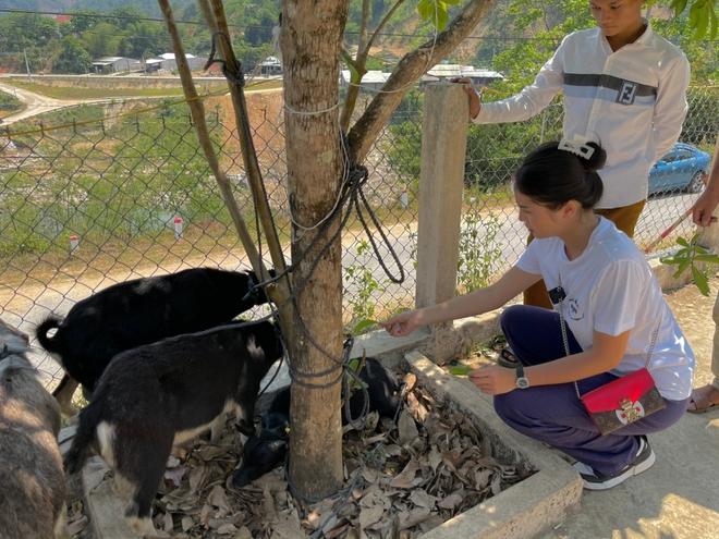 Minh Triệu đồng hành cùng Kỳ Duyên đi xây nhà cho người nghèo - Ảnh 2.