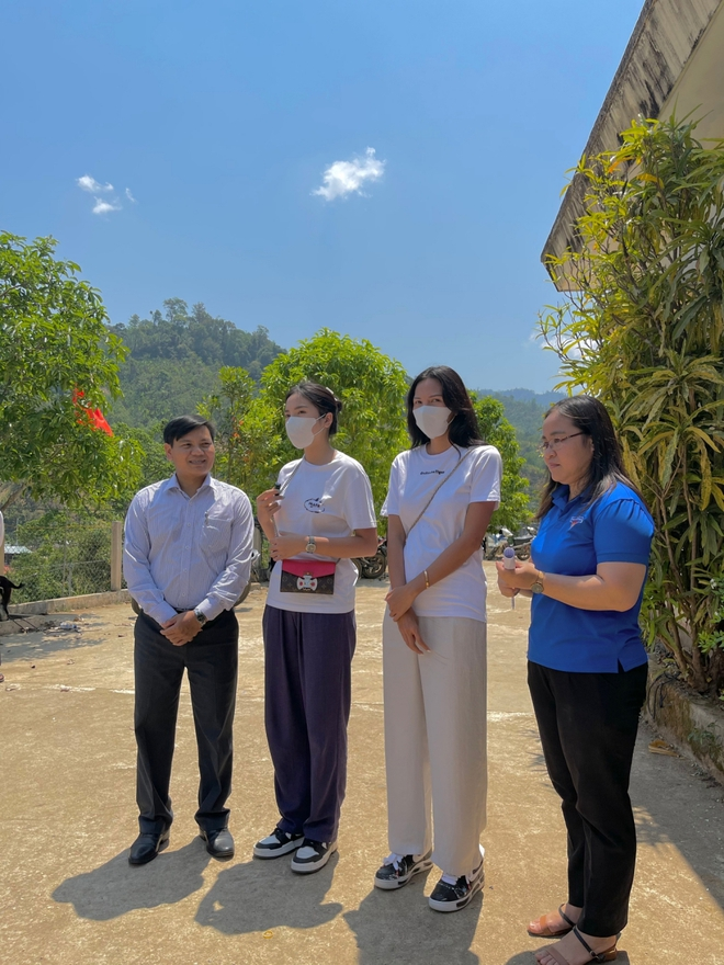 Minh Triệu đồng hành cùng Kỳ Duyên đi xây nhà cho người nghèo - Ảnh 1.