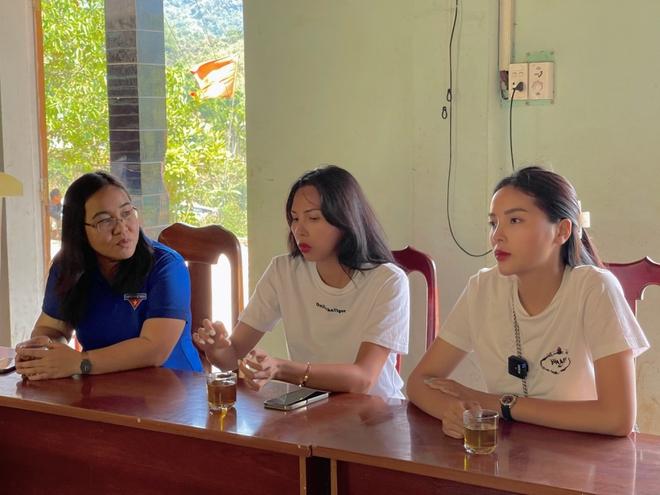 Minh Triệu đồng hành cùng Kỳ Duyên đi xây nhà cho người nghèo - Ảnh 3.