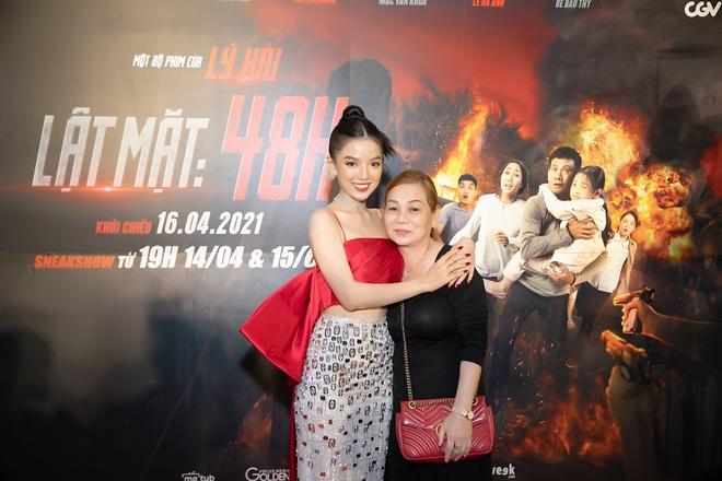 Cô vợ vô duyên của Mạc Văn Khoa trong Lật Mặt: 48H: Là hot girl xinh đẹp, nổi tiếng - Ảnh 4.