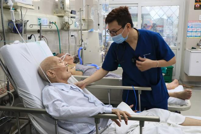 Rời Bạch Mai, bác sĩ được trả hơn 100 triệu đồng/tháng và lời giải thích bất ngờ từ bệnh viện! - Ảnh 6.