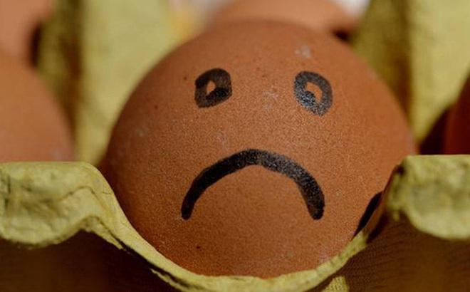 Thực hiện thử thách ăn 50 quả trứng để lấy 800 nghìn đồng, người đàn ông ăn đến quả 42 thì tử vong