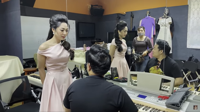 Quang Lê khiến Hà Thanh Xuân nổi giận vì để đợi 3 tiếng, hứa tặng túi 9000 đô - Ảnh 1.