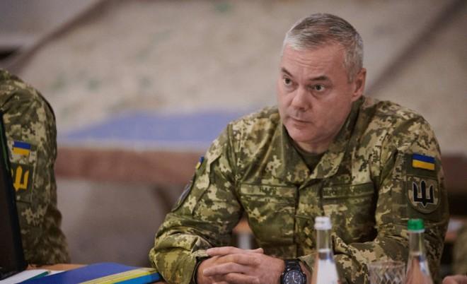 3 pháo hạm Ukraine dọa nổ súng, 5 tàu Nga tháo chạy - Kiev kêu gọi dằn mặt Moscow, Mỹ khẳng định sẵn sàng tăng quân - Ảnh 1.