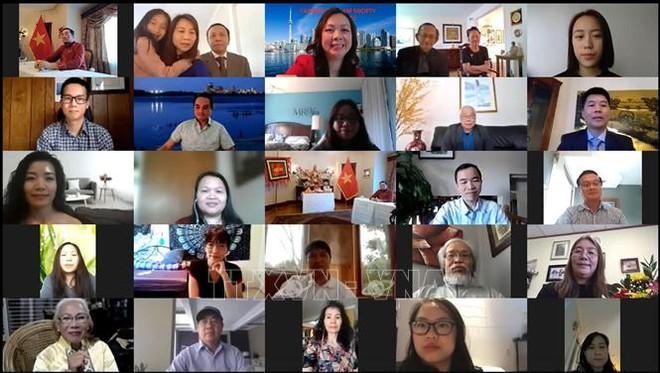 Lễ Giỗ Tổ trực tuyến của người Việt ở Canada: Trang nghiêm, thành kính - Ảnh 1.