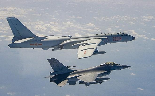 """Mỹ không cần động tay cũng """"làm mất hút"""" 2 quả tên lửa của Trung Quốc: Sự hổ thẹn khiến Bắc Kinh """"tỉnh ngộ""""?"""