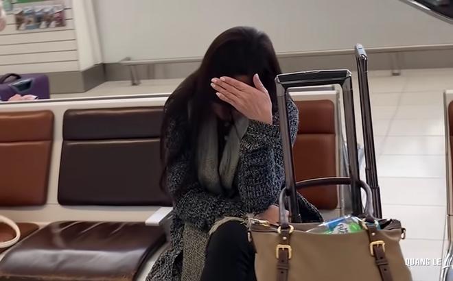 Bị Quang Lê quay hình khi đang mệt mỏi, Như Quỳnh tỏ thái độ, lấy tay che mặt