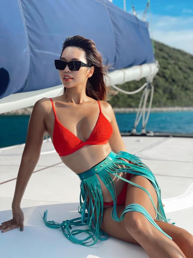 Siêu mẫu Hà Anh diện bikini, tạo dáng gợi cảm bên chồng Tây - Ảnh 4.
