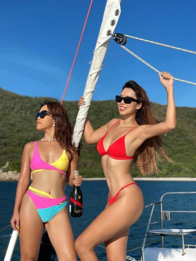 Siêu mẫu Hà Anh diện bikini, tạo dáng gợi cảm bên chồng Tây - Ảnh 5.