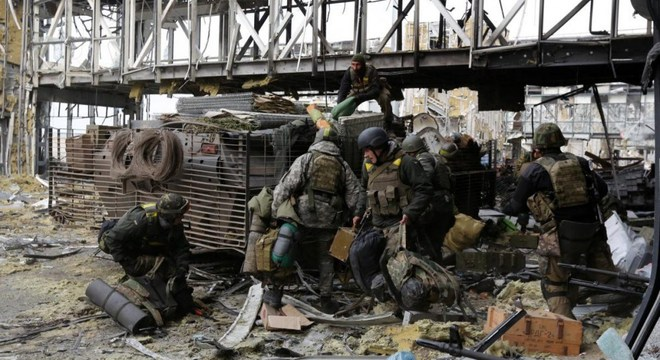 Phá hủy kho VK Séc, đầu độc nhà buôn Bulgaria: Nga đánh thẳng vào dạ dày QĐ Ukraine? - Ảnh 6.