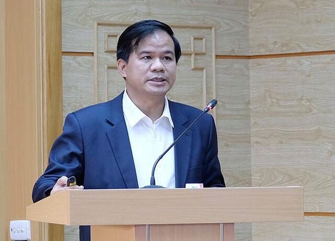 Phó Giám đốc BV Bạch Mai chỉ ra 4 dấu hiệu sau tiêm vắc xin COVID-19 cần được bác sĩ thăm khám - Ảnh 1.