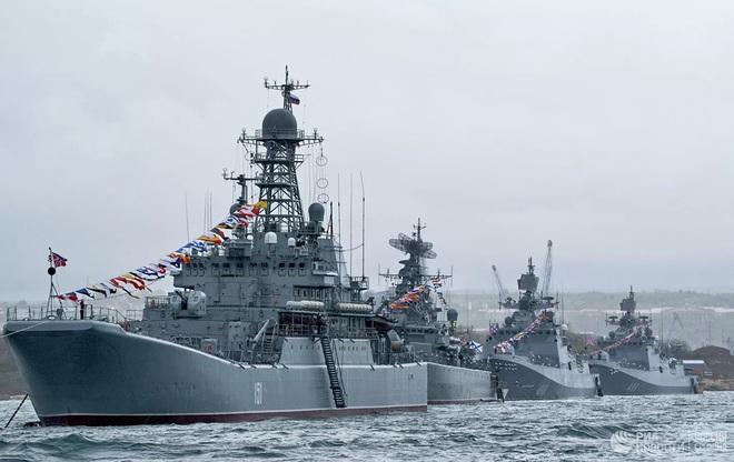 Giữa lúc căng thẳng Nga-Ukraine, vì sao Anh điều tàu đến Biển Đen? - ảnh 1