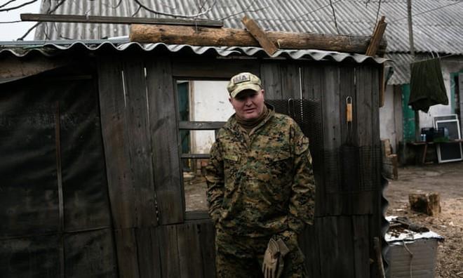 Bom rơi xuống sân nhà xé toang cửa sổ, giết chết mèo cưng: Dân Ukraine nói Nga sẽ phải hối hận - Ảnh 2.