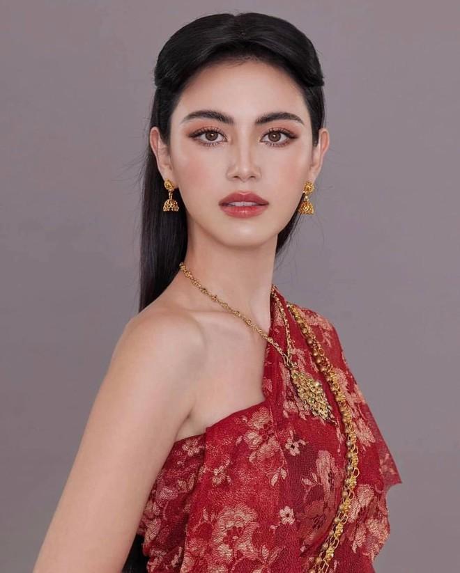 'Ma nữ đẹp nhất Thái Lan' tung loạt ảnh nóng bỏng ăn mừng 13 triệu người theo dõi - Ảnh 11.