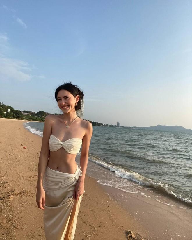 'Ma nữ đẹp nhất Thái Lan' tung loạt ảnh nóng bỏng ăn mừng 13 triệu người theo dõi - Ảnh 4.