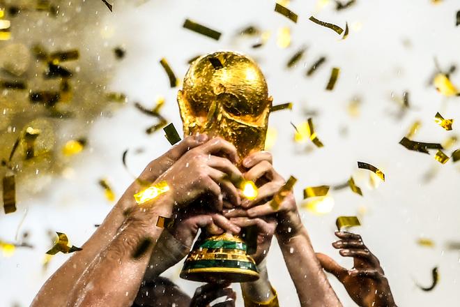 Góc hài hước: Bóng đá thế giới sẽ ra sao khi giải đấu 6 tỷ USD Super League khởi tranh? - Ảnh 7.