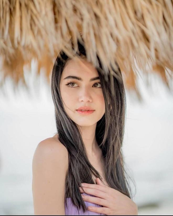 'Ma nữ đẹp nhất Thái Lan' tung loạt ảnh nóng bỏng ăn mừng 13 triệu người theo dõi - Ảnh 8.