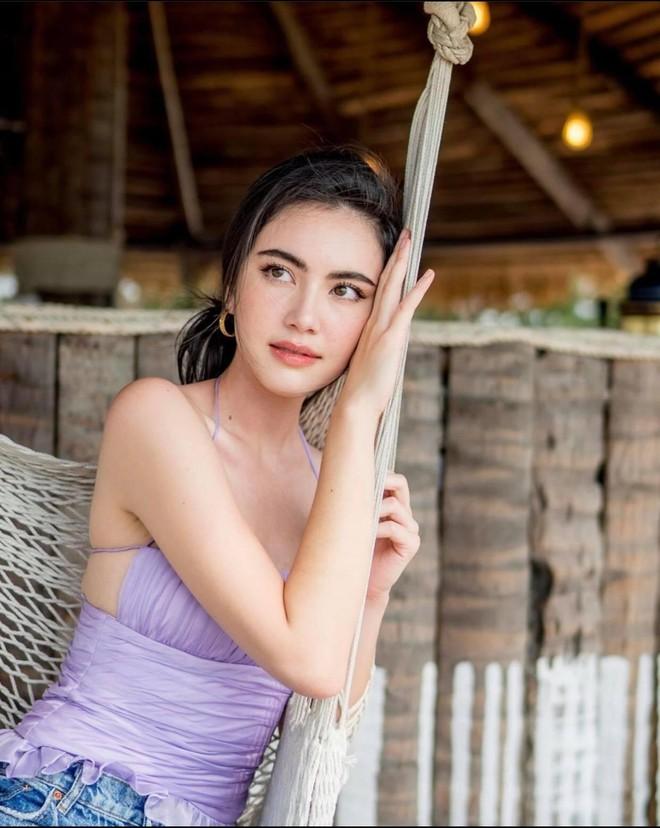 'Ma nữ đẹp nhất Thái Lan' tung loạt ảnh nóng bỏng ăn mừng 13 triệu người theo dõi - Ảnh 9.