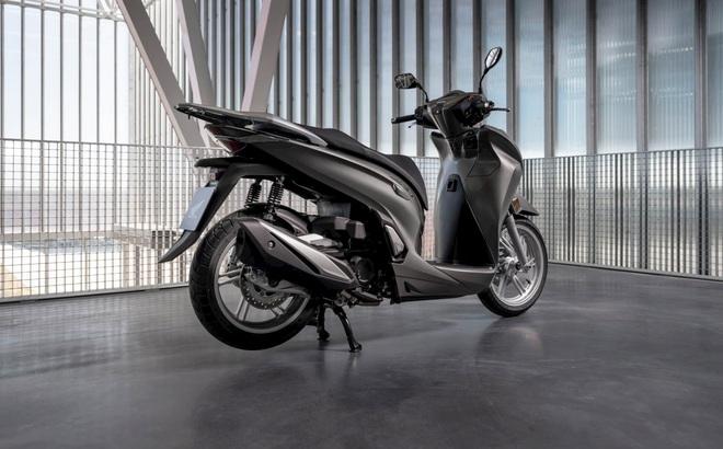 """Bắt gặp Honda SH """"cực phẩm"""" sắp về Việt Nam, giá bao nhiêu thì xứng?"""