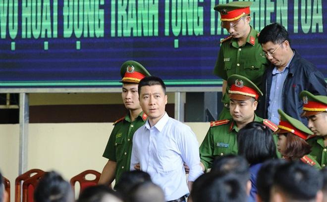 """Vì sao VKSND cấp cao tại Hà Nội kháng nghị, không giảm án tù cho """"trùm cờ bạc"""" Phan Sào Nam?"""