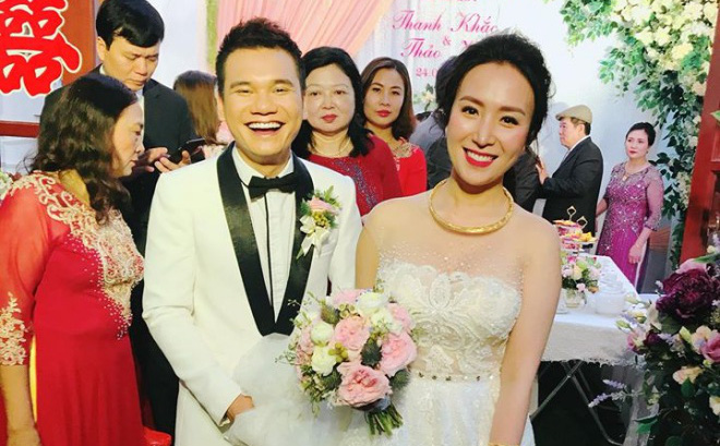 """Hé lộ gia thế """"khủng"""" của vợ Khắc Việt: Có mấy ki ốt lớn nhất Hà Nội, chỉ mê kim cương"""