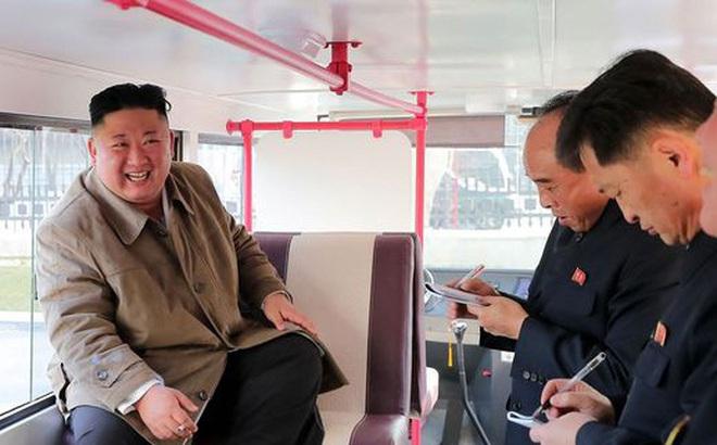 Tàu ngầm phóng tên lửa mới của Triều Tiên chuẩn bị hoàn thành?