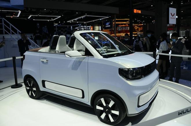 Cận cảnh chiếc ô tô điện siêu nhỏ, siêu dễ thương và giá cực rẻ, chỉ ngang ngửa Honda SH - Ảnh 1.