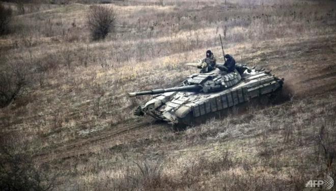 Nga - Ukraine bên bờ chiến tranh nóng: Đại quân Nga chia 2 hướng áp sát biên giới - Lữ 128 QĐ Ukraine đã nổ súng - Ảnh 1.