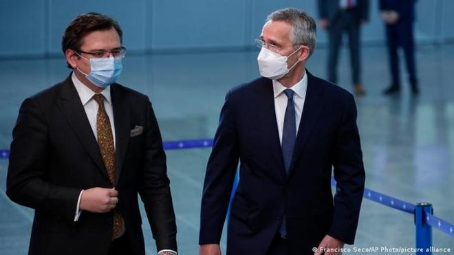 Ukraine nóng rẫy, NATO đánh cược với 3 lựa chọn: Điều bí ẩn của TT Putin có thể dẫn tới thảm họa? - Ảnh 3.