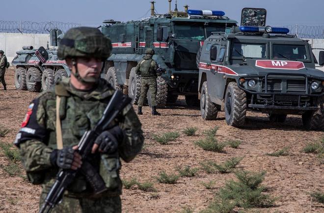 Nga - Ukraine bên bờ chiến tranh nóng: Đại quân Nga chia 2 hướng áp sát biên giới - Lữ 128 QĐ Ukraine đã nổ súng - Ảnh 2.