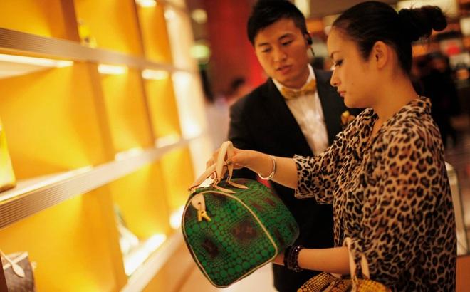 """Trung Quốc: Ngày càng nhiều người trẻ lựa chọn độc thân, """"kiếm được bao nhiêu tiêu hết bấy nhiêu"""""""