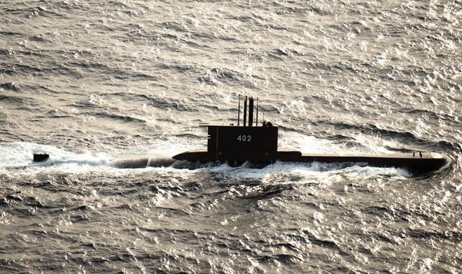 Tàu ngầm Indonesia mất tích bí ẩn, hải quân ráo riết tìm kiếm: 53 thủy thủ trên khoang chưa rõ số phận - Ảnh 2.