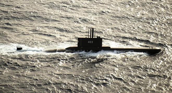 Tàu ngầm Indonesia mất tích bí ẩn, hải quân ráo riết tìm kiếm: 53 thủ thủ trên khoang chưa rõ số phận - Ảnh 1.