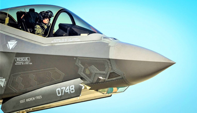 Chiến đấu cơ tàng hình F-35 có thể là một cấu phần của Bộ ba Hạt nhân Mỹ - ảnh 1