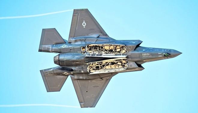 Chiến đấu cơ tàng hình F-35 có thể là một cấu phần của Bộ ba Hạt nhân Mỹ - ảnh 2