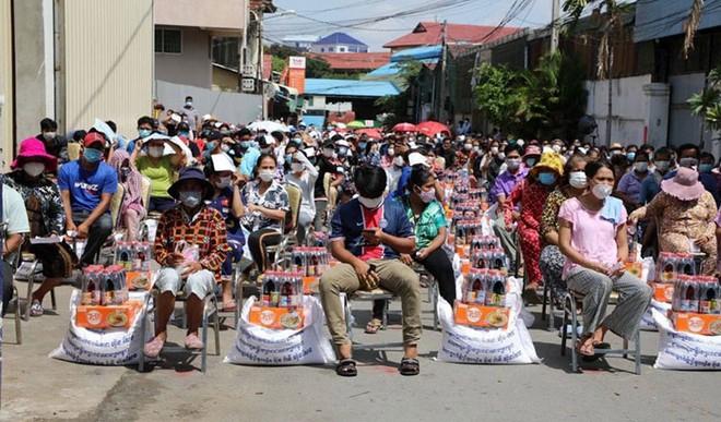 Chỉ trong một thời gian ngắn, Campuchia có gần 7500 ca COVID-19  - Ảnh 3.