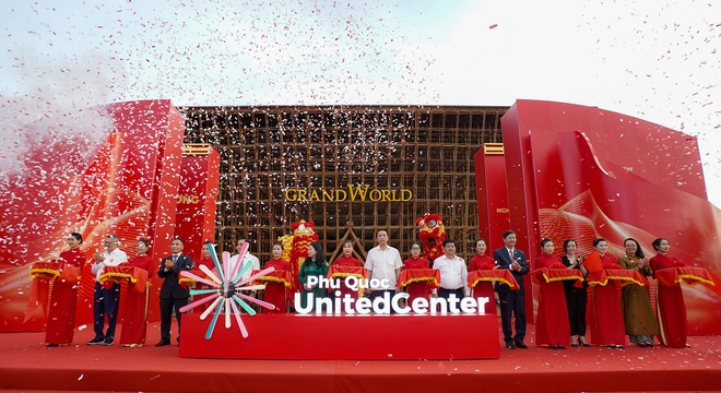 Vingroup khai trương siêu quần thể nghỉ dưỡng, vui chơi, giải trí sánh ngang Jeju, Las Vegas - Ảnh 1.