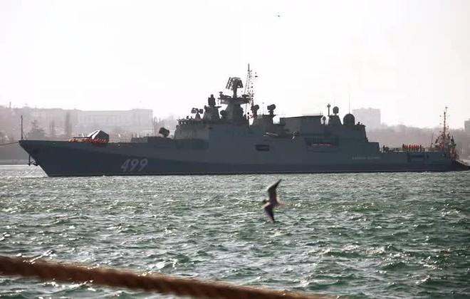 Biên giới Nga - Ukraine cực nóng, Nga ra lệnh hạn chế bay gần Crimea - ảnh 3