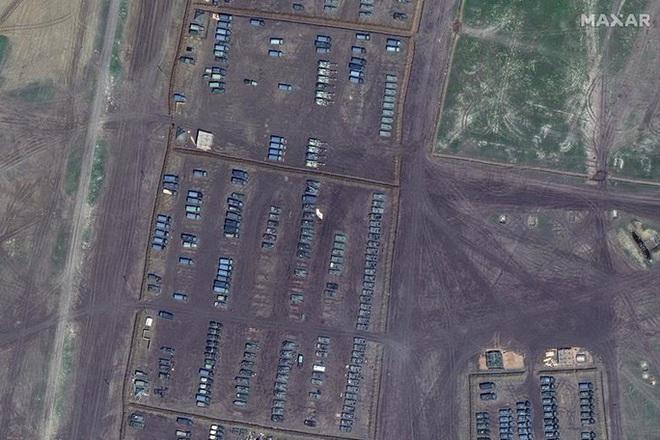 Biên giới Nga - Ukraine cực nóng, Nga ra lệnh hạn chế bay gần Crimea - ảnh 5