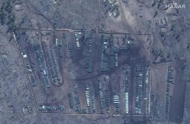 Biên giới Nga - Ukraine cực nóng, Nga ra lệnh hạn chế bay gần Crimea - ảnh 6
