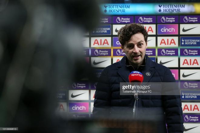 Mộng vô địch của Man United bị giáng một đòn mạnh; Tottenham hồi sinh sau khi sa thải Mourinho - Ảnh 4.