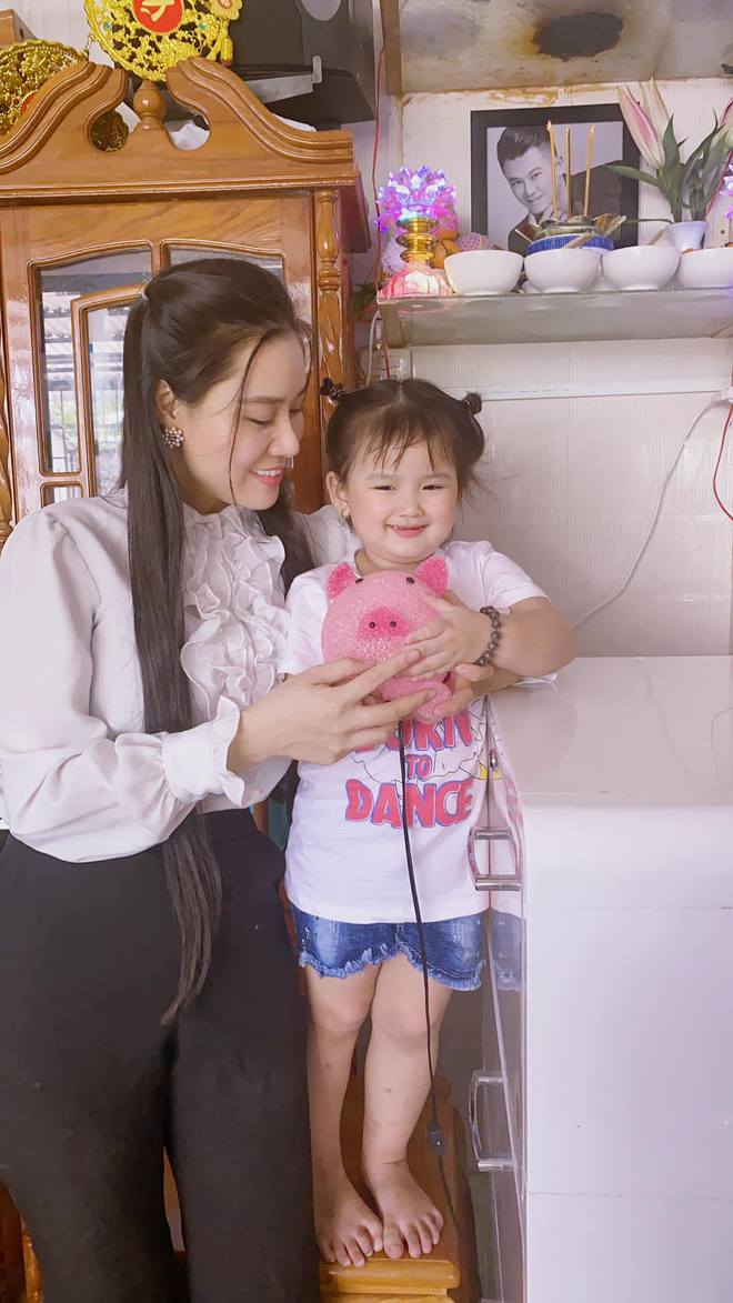Bị bố mẹ Vân Quang Long nhờ công an xác minh nhân thân, vợ 2 lên tiếng làm rõ, tiết lộ bất ngờ - Ảnh 3.