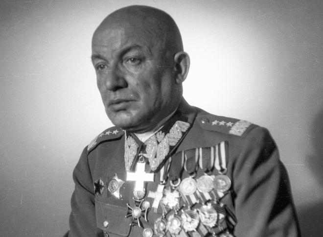 Chỉ huy say vá không kịp sai lầm: Đức Quốc Xã bất ngờ thắng Hồng quân lần cuối ở Thế chiến II - Ảnh 4.
