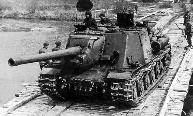 Chỉ huy say vá không kịp sai lầm: Đức Quốc Xã bất ngờ thắng Hồng quân lần cuối ở Thế chiến II - Ảnh 1.