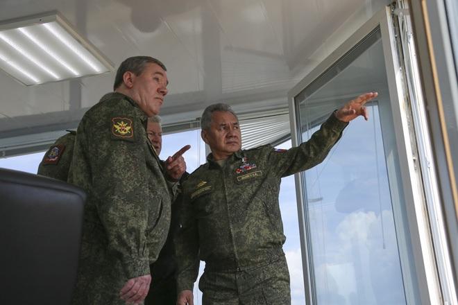 Ấn Độ tung tàu cứu hộ ở độ sâu 1.000 mét tới tìm kiếm tàu ngầm Indonesia, 48 giờ đếm ngược - Tướng Shoigu bất ngờ ra tuyên bố về cụm quân Nga gần Ukraine - Ảnh 1.