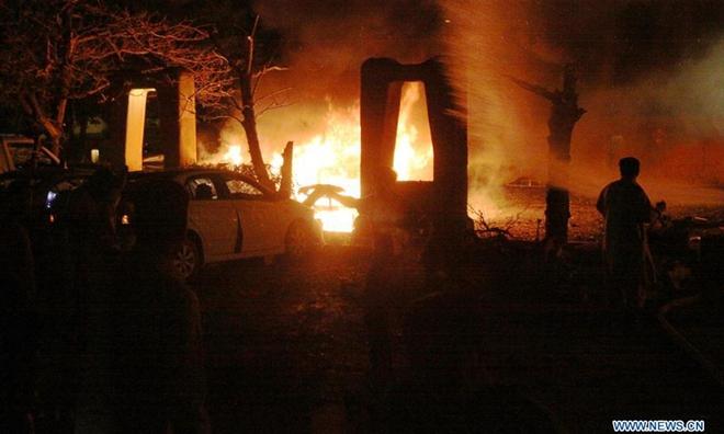 Tình tiết Đại sứ Trung Quốc suýt hứng vụ đánh bom kinh hoàng, thoát nạn trong gang tấc - Ảnh 1.
