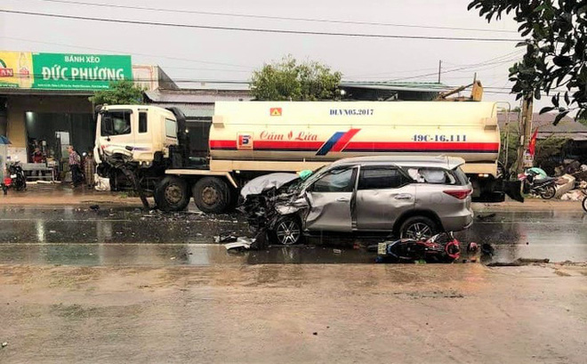Tai nạn liên hoàn, 3 người bị thương, Quốc lộ 20 ách tắc nhiều giờ