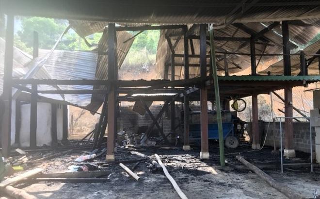 Yên Bái: Mâu thuẫn với vợ, chồng xả khí gas đốt nhà